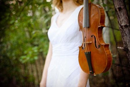 Beth Wenstrom, Violinist